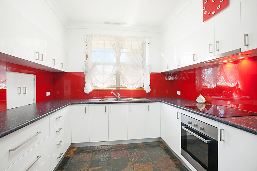 Cressinton-Way-Kitchen-3